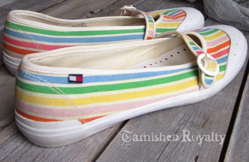 tommy_stripe_shoes2