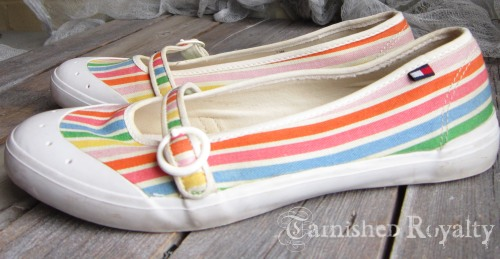 tommy_stripe_shoes3