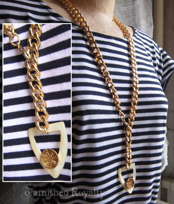 necklace chunky gold chain buckle 2