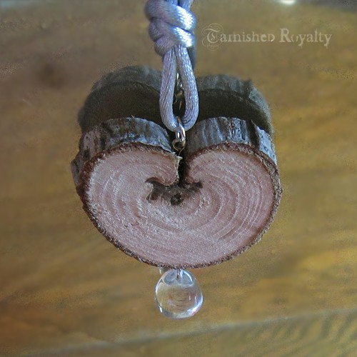 wood_slice_heart_crystal_drop_1