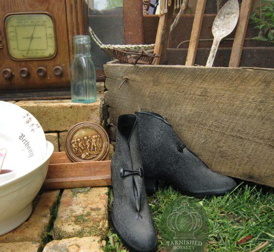 boots_spoon_roseville_flea_market_finds